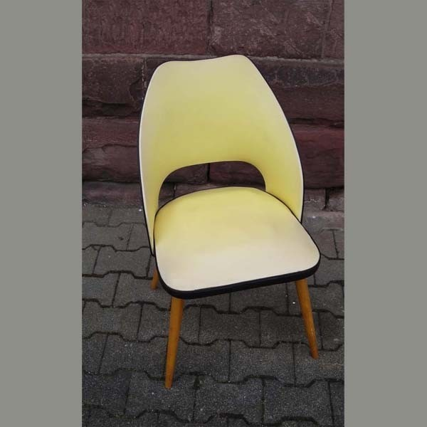Vintage. Chair in yellow...