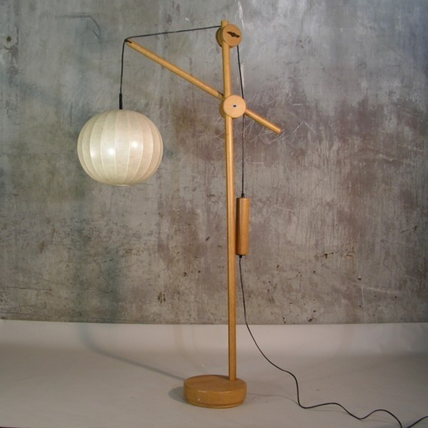 Lamp with adjustable arm...
