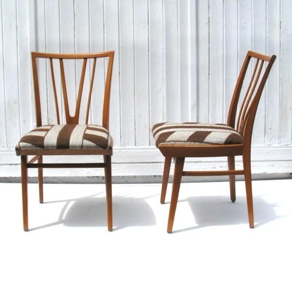 Dos sillas de diseño....