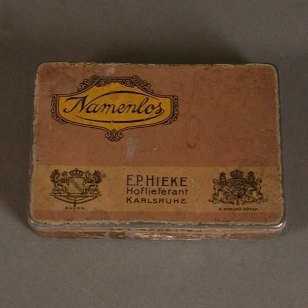 Caja de chapa. Art Nouveau....