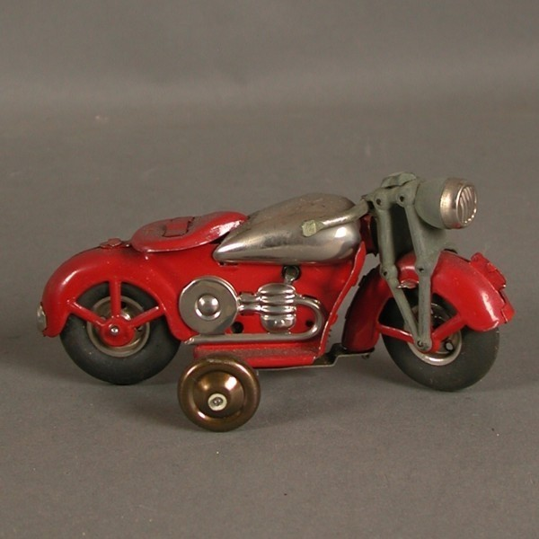 Tin toy. Lehmann?...