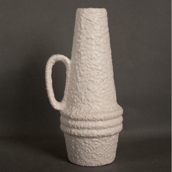 Vintage. Pottery vase....