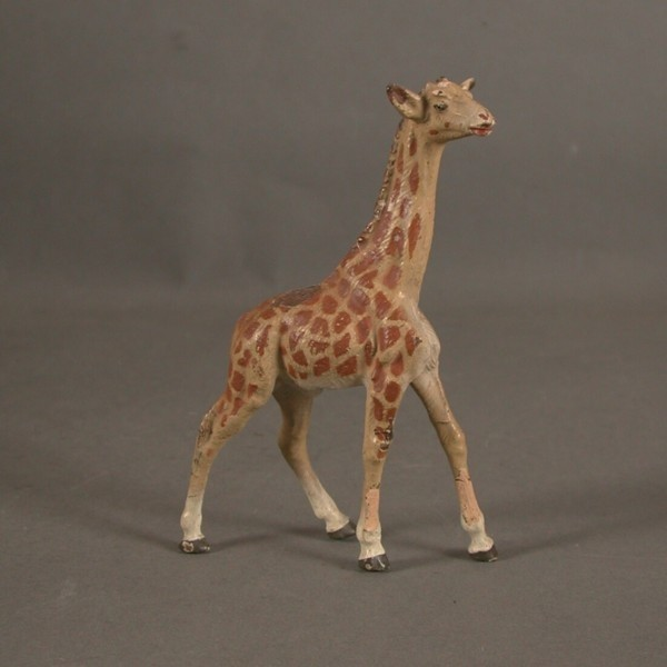 Giraffe from Lineol. Mass...