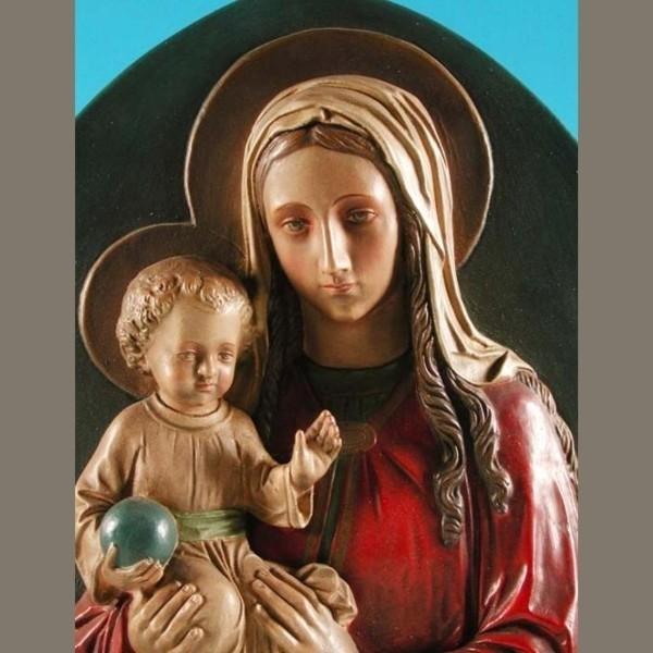 Virgen con niño. Relieve de...