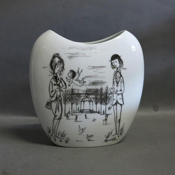 Porcelain vase. Raymond...