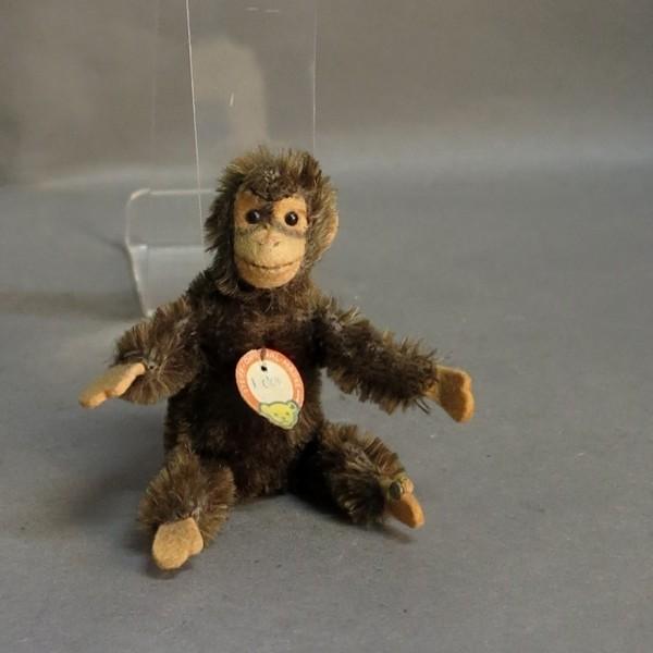 "Steiff chimpanzee ""Jocko""..."