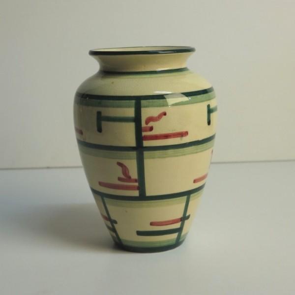 Ceramic vase. Majolika...