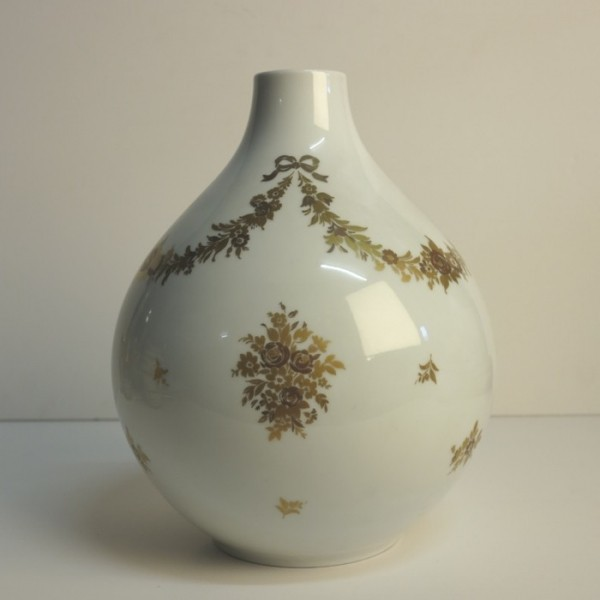 Big vintage porelain vase....
