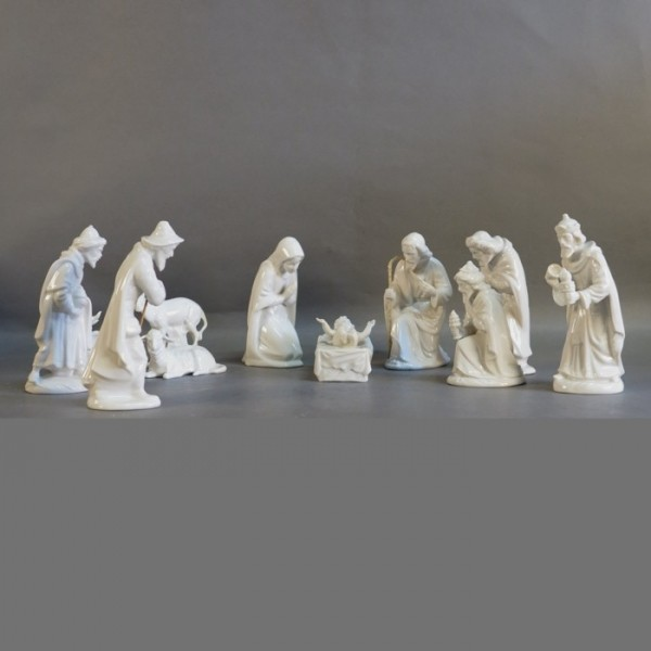 11 Porcelain nativity...