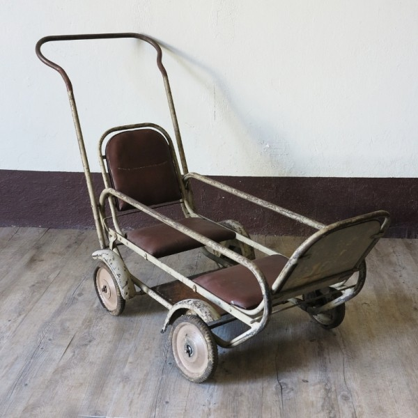 Stroller for twins. 1900 -...