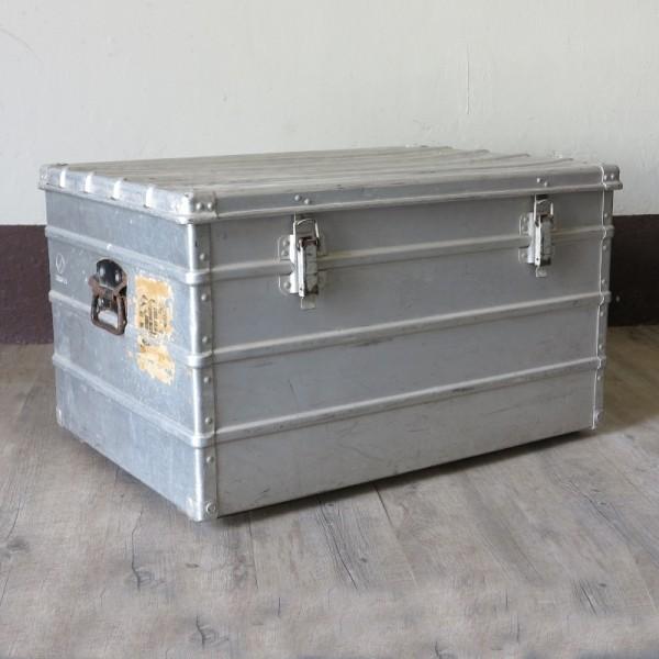 Vintage aluminium travle...