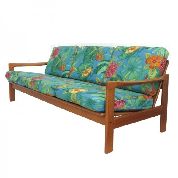 Mid Century Sofa / Daybed...