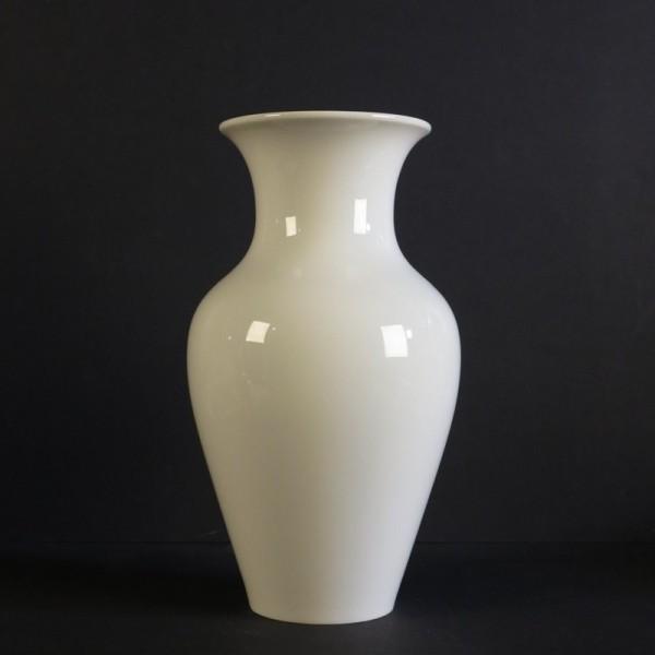 Porcelain vase frm KPM....