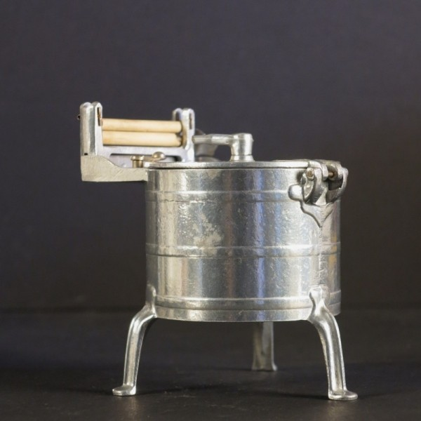 Lavadora de muñecas. 1920 -...