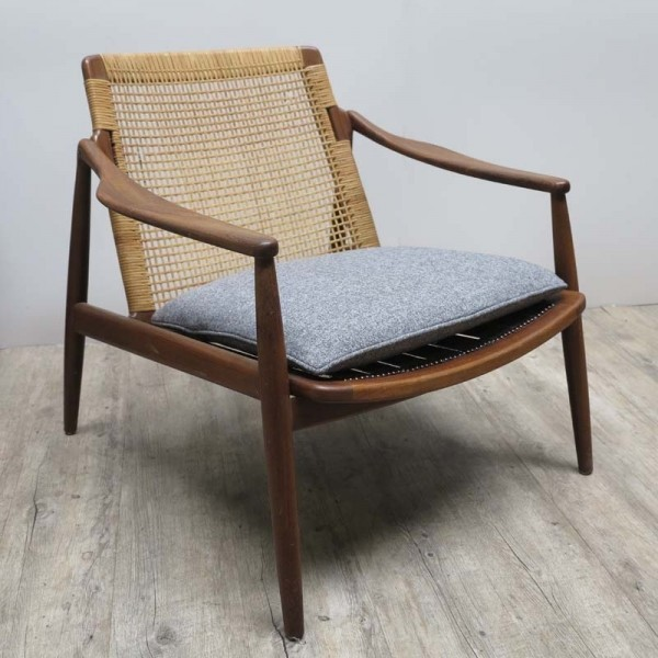 Armchair from Hartmut...