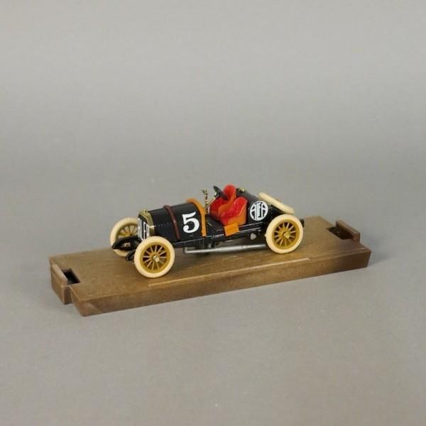 Modelo de coche de Alfa...
