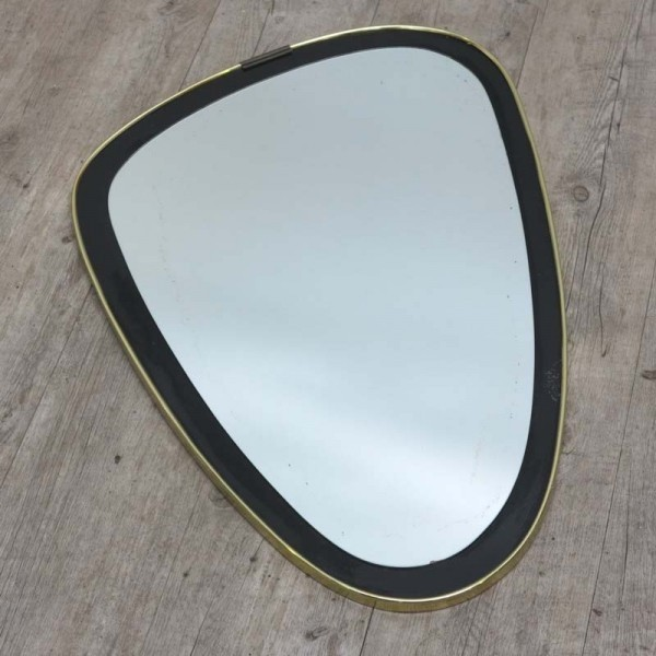 Oval vintage mirror....