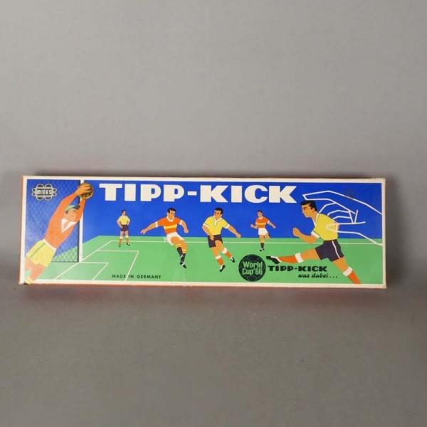 TIPP Kick. Fútbol juego...