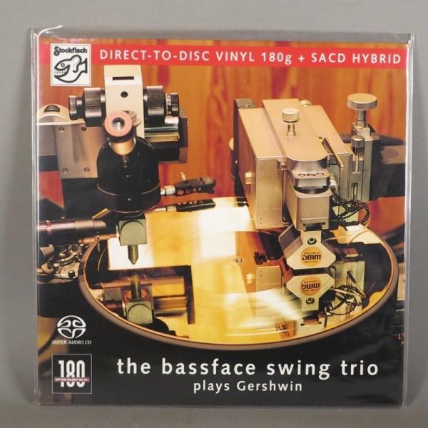 The Bassface Swing Trio -...