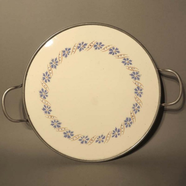 Vintage ceramic cake plate....