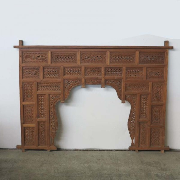 Large carved vintage bed...