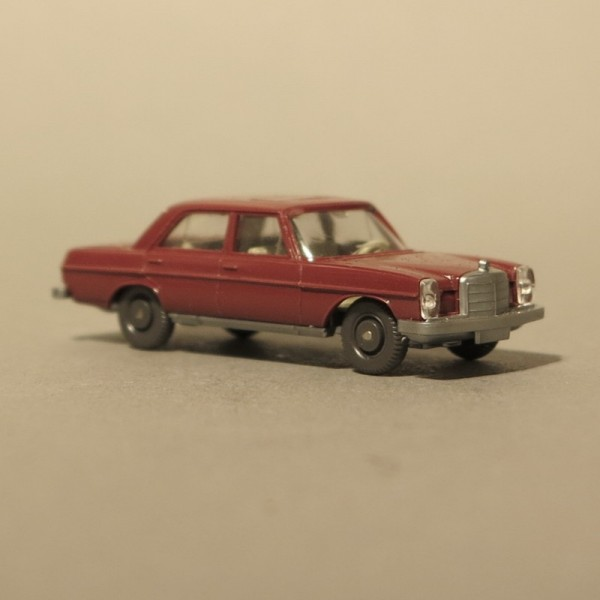 Wiking Mercedes MB 200 Rot...