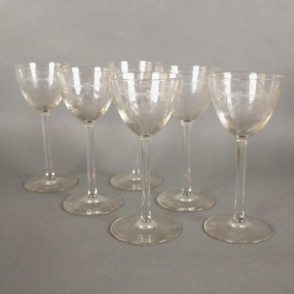 Six Art Nouveau liqueur...