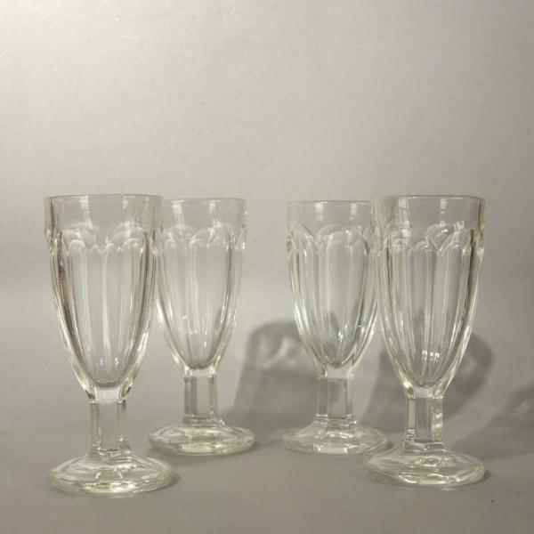 Cuatro vasos antiguos. 1900...