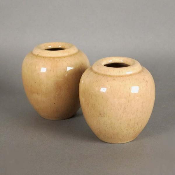 Dos floreros de cerámica de...