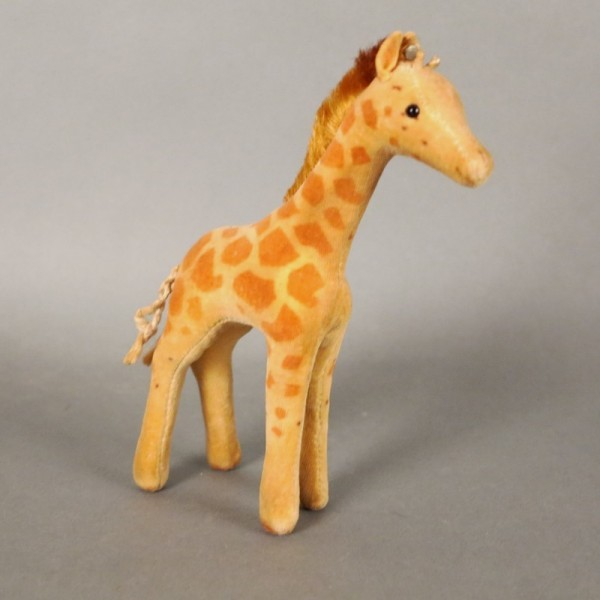 Steiff giraffe with button....