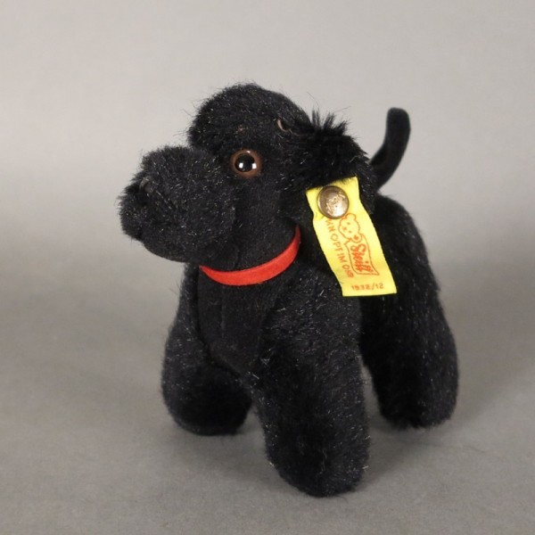 Steiff poodle with button...