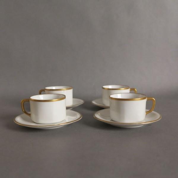 Art Nouveau. Cuatro tazas...