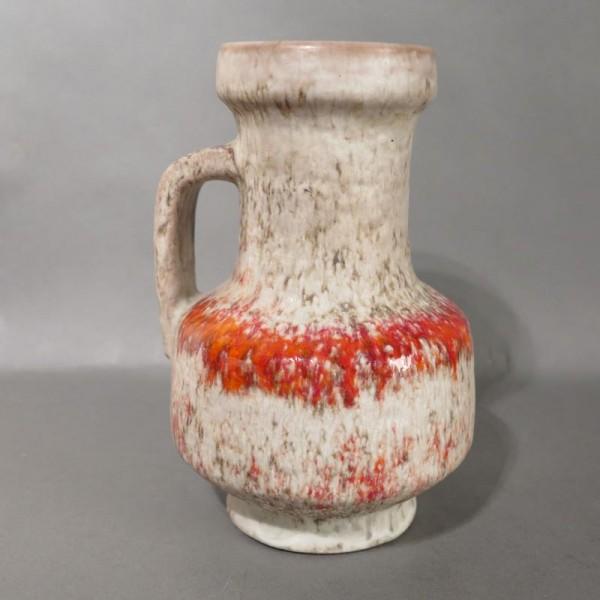 Florero con asa de cerámica...