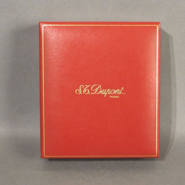 Box for Dupont lighter....