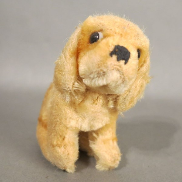 Vintage dog from Steiff....