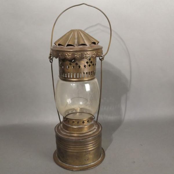 Antike Petroleumlampe aus...