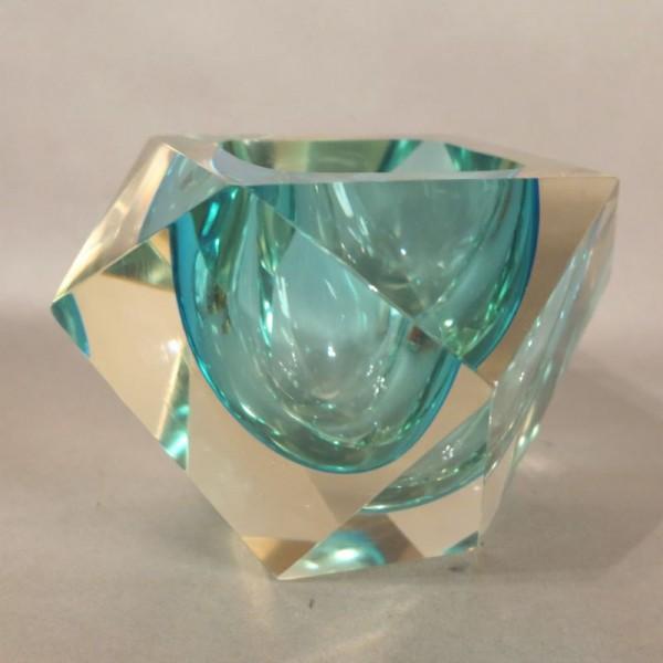 Cuenco de cristal facetado...
