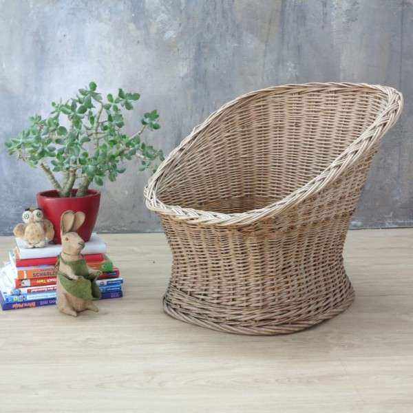 Rattan chair for children....