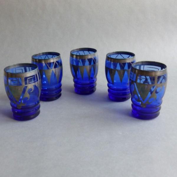 Cinco vasos Art Deco con...
