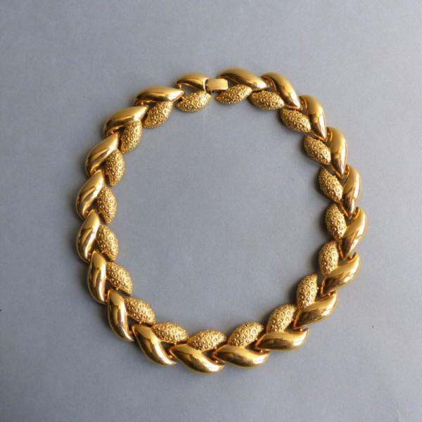 Halskette von Ted Lapinus....