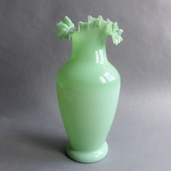 Jugendstil Opalglas Vase...