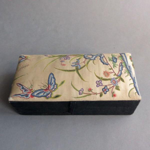 Antigua caja para joyas ....