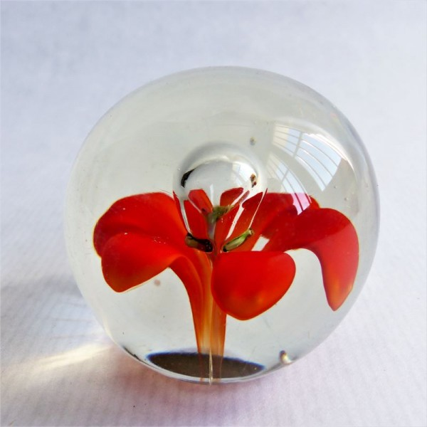 Glas paperweight by Murano....