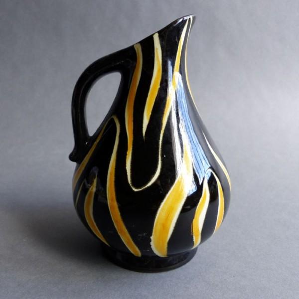 Ceramic vintage vase. 1950...