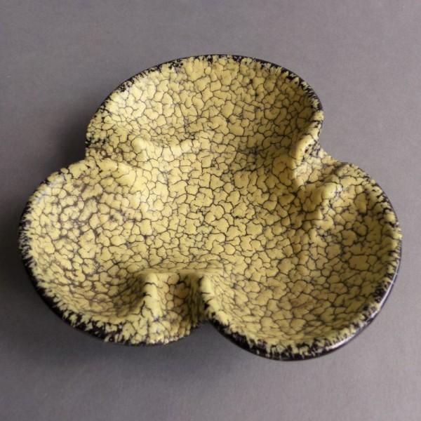 Vintage ceramic ashtray....