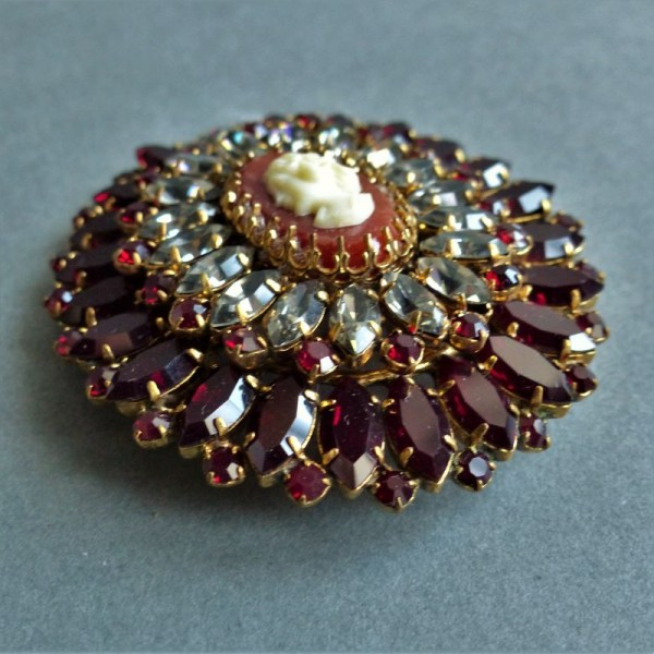 Vintage brooch with cameo....