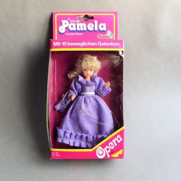 Precintado. Muñeca Pamela...