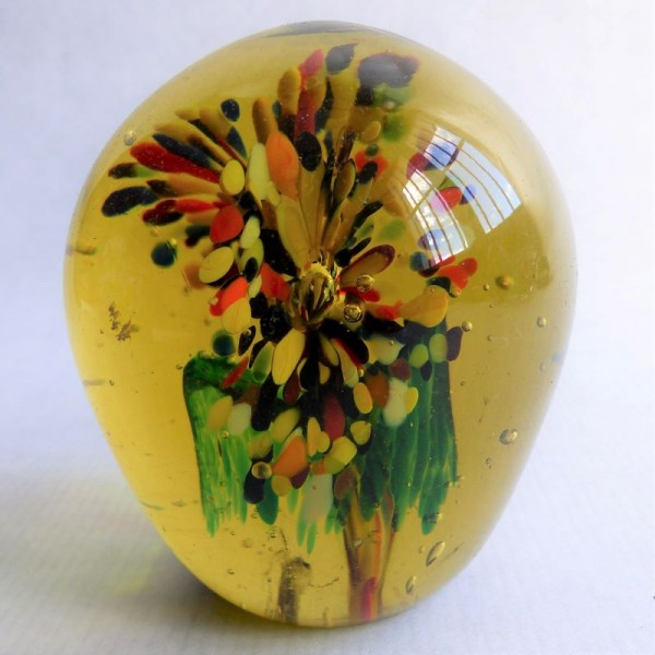 Vintage glass paperweight....