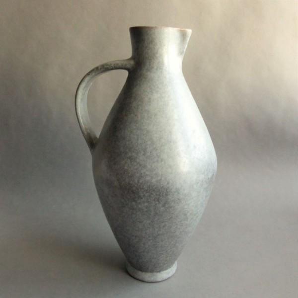 Henkelkrug aus Keramik von...