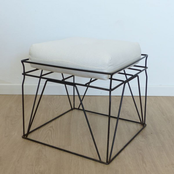Wire stool by Verner Panton...
